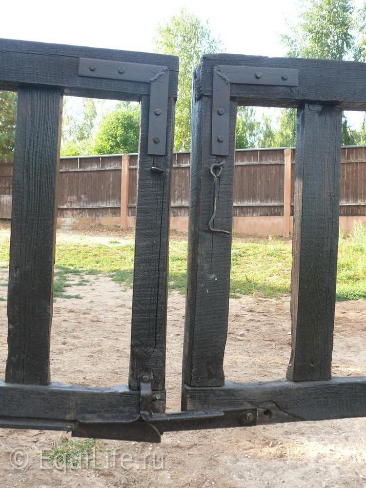 Фоторепортаж: конюшня в Подмосковье - фото 19_wm, главная Здоровье лошади Конюшня Содержание лошади , конный журнал EquiLIfe