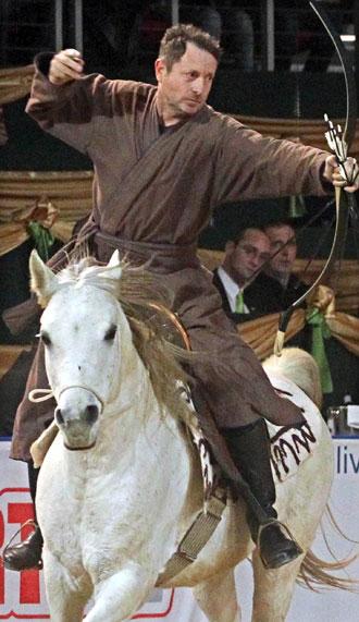 Конные лучники из Капошмерё - фото kassaiLajos, главная Конные истории Разное , конный журнал EquiLIfe