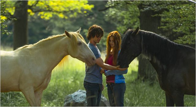 Восточный Ветер возвращается - в 2015 году выходит фильм «Ostwind 2» ! - фото 451820.jpg-r_640_600-b_1_D6D6D6-f_jpg-q_x-xxyxx, Фильмы про лошадей , конный журнал EquiLIfe