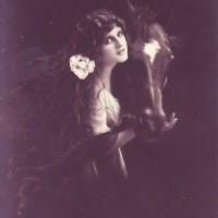 Фотографии из 1900 года: женщина и лошадь - фото A_girl_and_a_horse_by_PostcardsStock-200x200, главная Разное Фото , конный журнал EquiLIfe