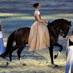 Эквитана раскрыла имена HOT-TOP-SHOW 2015 - фото Alizee, главная Новости Разное , конный журнал EquiLIfe