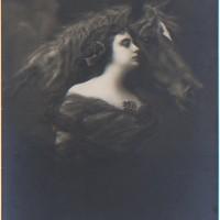 Фотографии из 1900 года: женщина и лошадь - фото Lady_and_a_horse_by_PostcardsStock-200x200, главная Разное Фото , конный журнал EquiLIfe