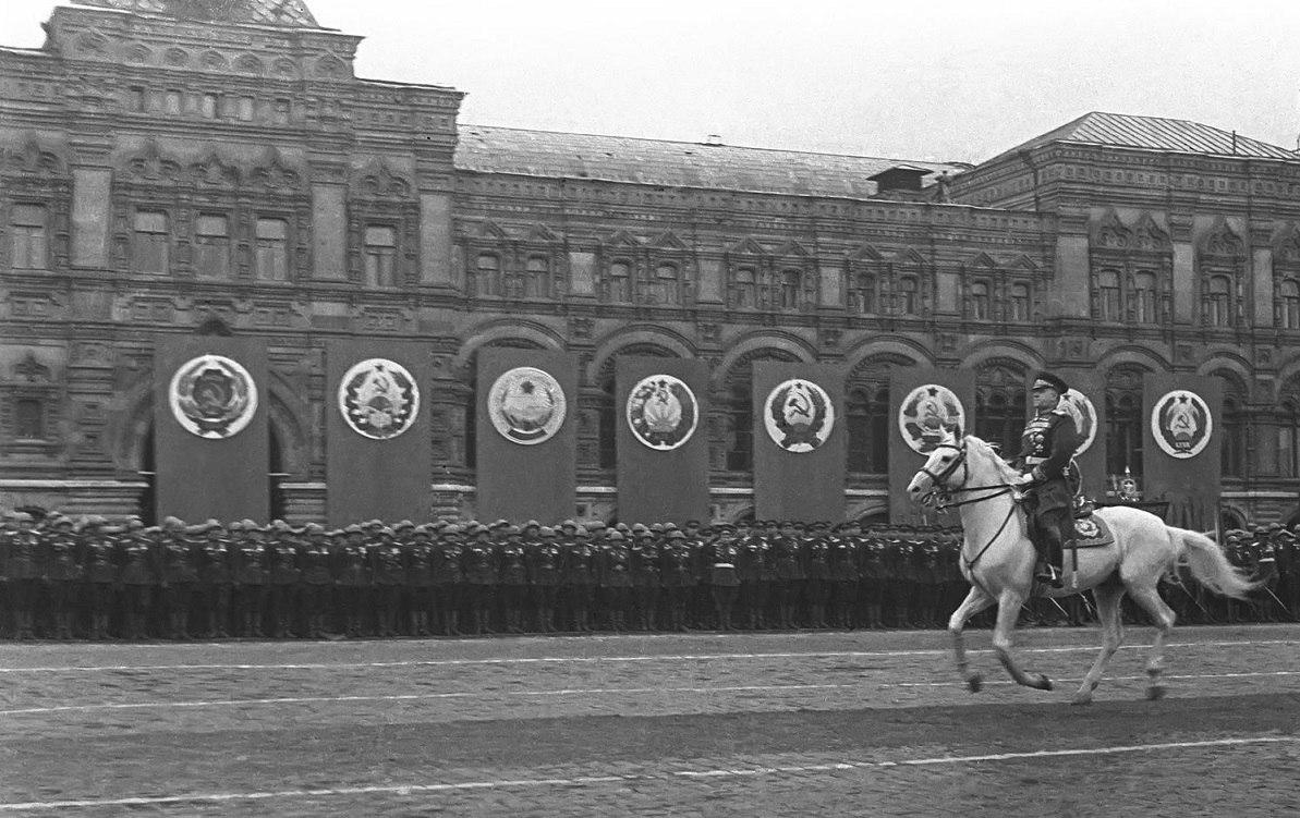 Лошадь Маршала Жукова - фото sZu12H8bIrQ-1, главная Конные истории , конный журнал EquiLIfe