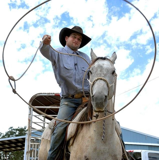 Ковбой поймал вора с помощью лассо - фото -3, главная Разное , конный журнал EquiLIfe
