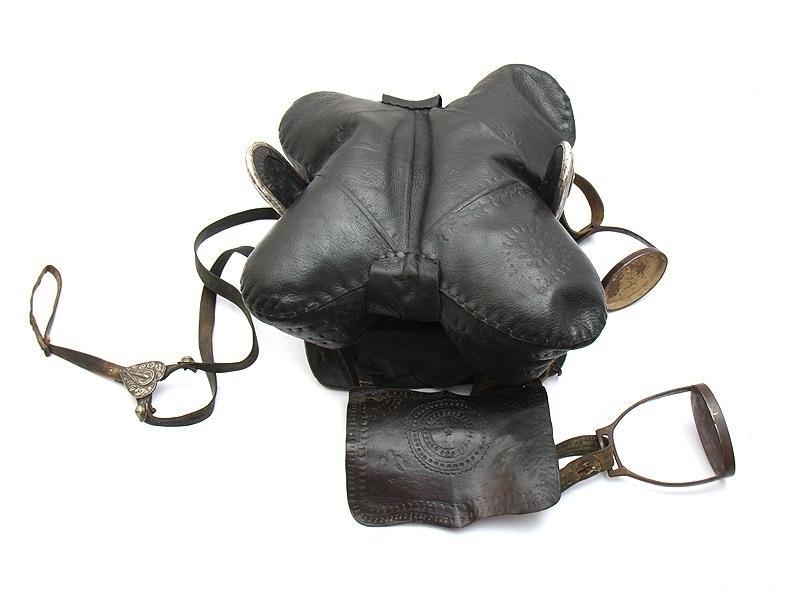Особенность черкесского седла - фото -седло-и-стремена-стаканчики, главная Конные истории Разное , конный журнал EquiLIfe