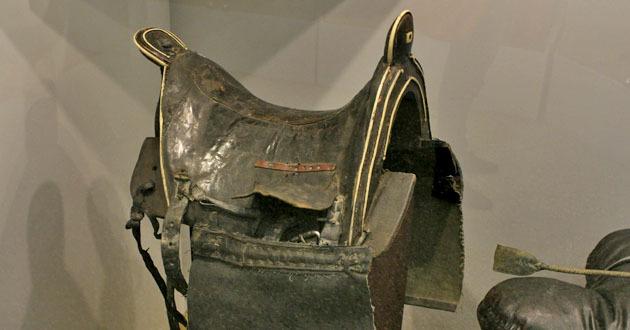 Особенность черкесского седла - фото -седло-с-упряжью, главная Конные истории Разное , конный журнал EquiLIfe
