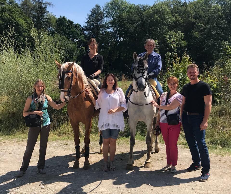 Отзыв о поездке c EquiLife.ru на семинар Ани Беран - фото X0FX2nQuQBo1, Аня Беран главная События Тренинг , конный журнал EquiLIfe