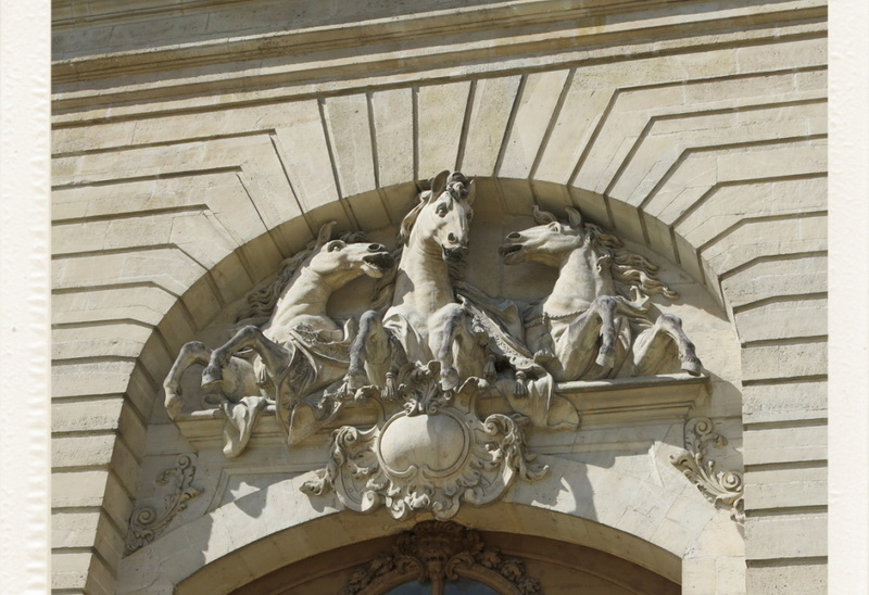 Grandes Écuries - Живой Музей Лошади - фото museevivant-facade, главная Конные истории Конюшня События Фото , конный журнал EquiLIfe